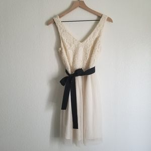 EUC F21 Cream Lace Dress